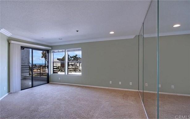 220 Nice Lane 214, Newport Beach, CA - USA (photo 4)