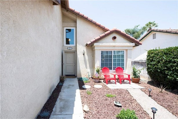 2124 Berkshire Circle, Corona, CA - USA (photo 2)