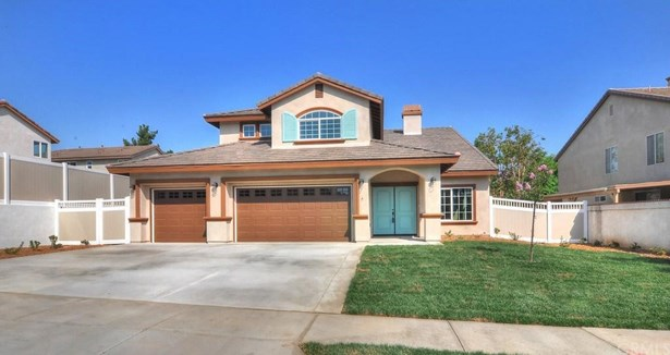 2568 Gilbert, Corona, CA - USA (photo 2)