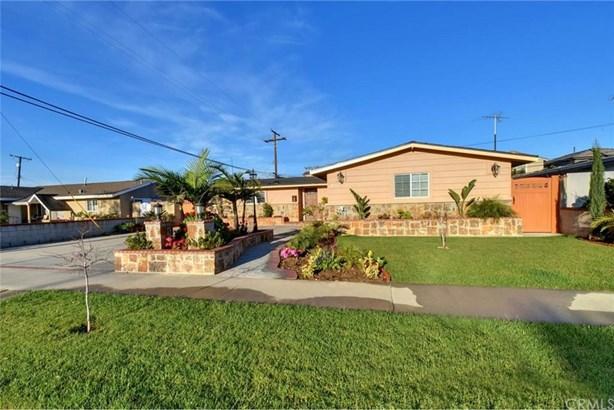 8757 Los Altos Drive, Buena Park, CA - USA (photo 2)