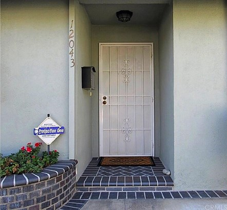 12043 Hartdale Avenue, La Mirada, CA - USA (photo 3)