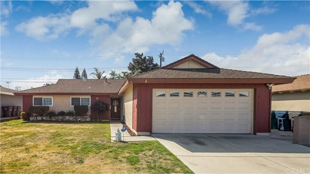 8292 Darsy Drive, Huntington Beach, CA - USA (photo 1)