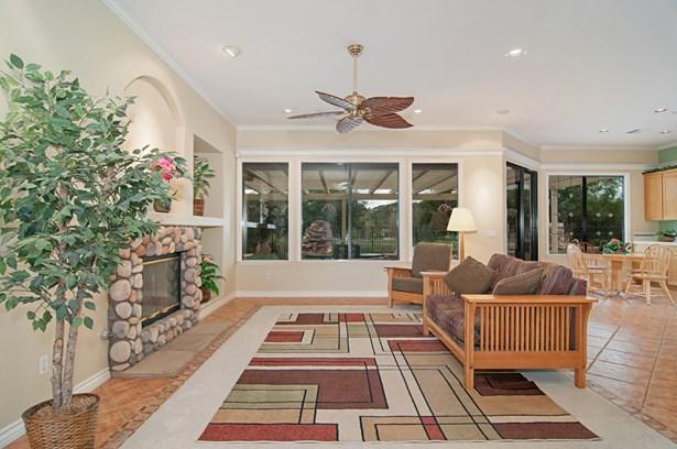 3649 Flowerwood Ln, Fallbrook, CA - USA (photo 5)