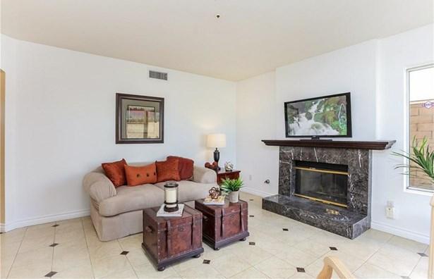 13764 Bay Street, Fontana, CA - USA (photo 5)