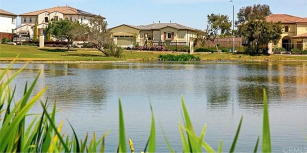 1058 Village Drive, Oceanside, CA - USA (photo 1)