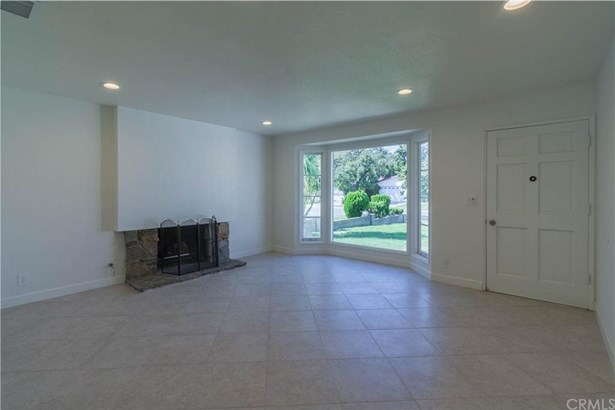 17218 Parkvalle Avenue, Cerritos, CA - USA (photo 3)