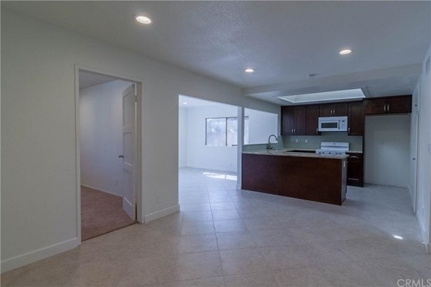 17218 Parkvalle Avenue, Cerritos, CA - USA (photo 5)