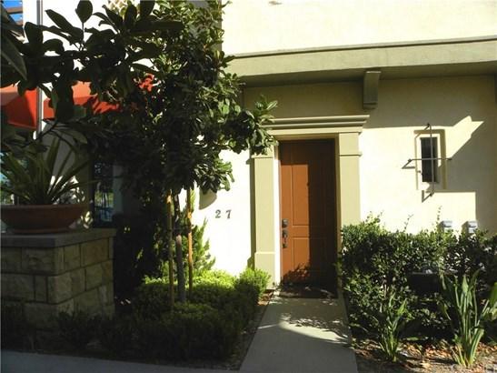 202 Village Commons Boulevard 27, Camarillo, CA - USA (photo 2)