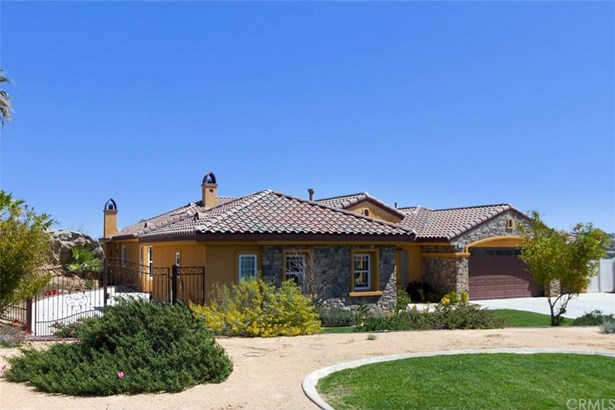 17624 Fairbreeze Court, Casa Blanca, CA - USA (photo 2)