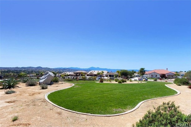 17624 Fairbreeze Court, Casa Blanca, CA - USA (photo 4)