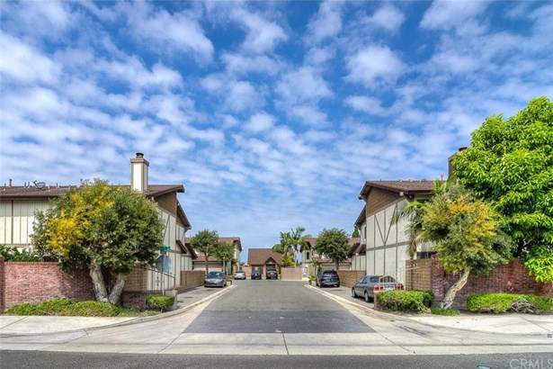 7075 Brentwood Lane, Westminster, CA - USA (photo 1)