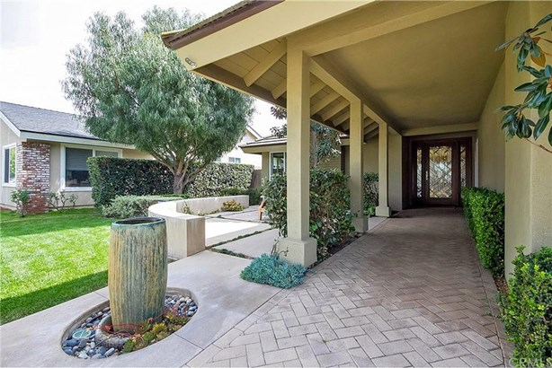 2230 W Hemlock Way, Santa Ana, CA - USA (photo 4)