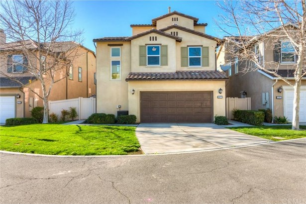 15777 Flight Avenue, Chino, CA - USA (photo 2)