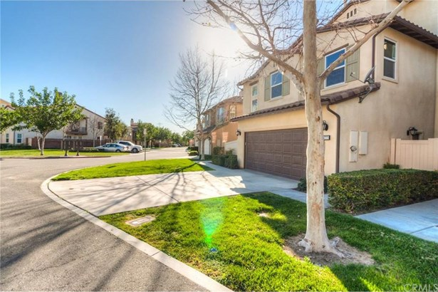 15777 Flight Avenue, Chino, CA - USA (photo 3)
