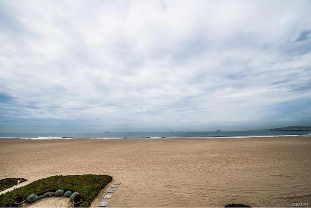 54 A Surfside Avenue, Surfside, CA - USA (photo 2)