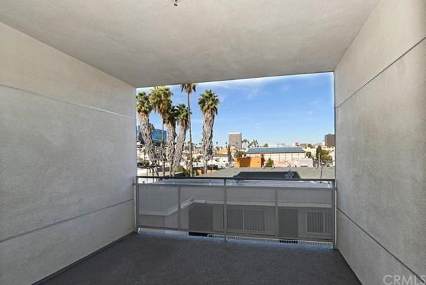 1025 Dewey Avenue 302, Los Angeles, CA - USA (photo 5)