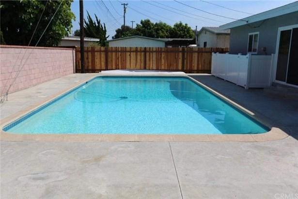 2726 Chatwin Avenue, Long Beach, CA - USA (photo 4)