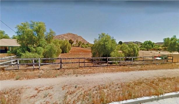 Bradley Road, Perris, CA - USA (photo 2)