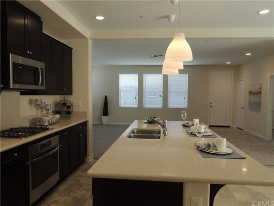 12943 Waterlily Way, Chino, CA - USA (photo 4)