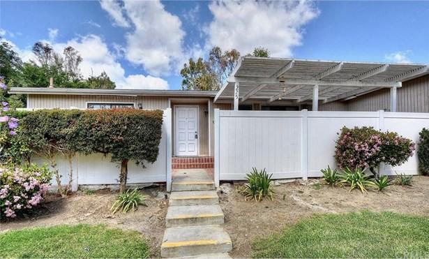25855 Via Lomas 225, Laguna Hills, CA - USA (photo 2)