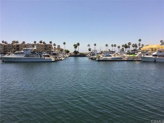 17033 Edgewater Lane, Huntington Beach, CA - USA (photo 2)