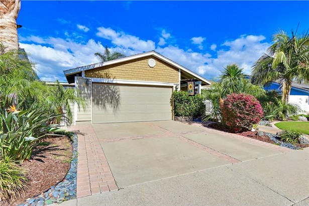 9379 Warbler Avenue, Fountain Valley, CA - USA (photo 2)