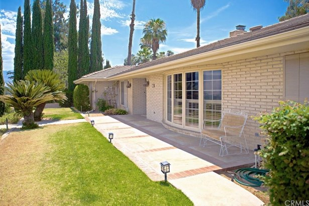 1569 Smiley Heights Drive, Redlands, CA - USA (photo 2)