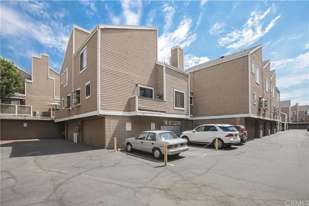 15135 Nordhoff Street 30, North Hills, CA - USA (photo 2)