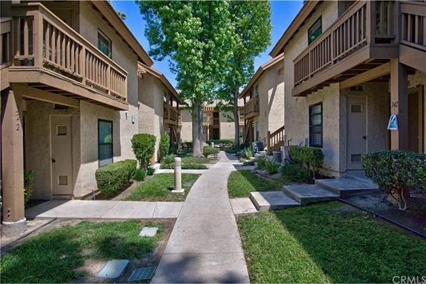 226 Orange Blossom, Irvine, CA - USA (photo 2)