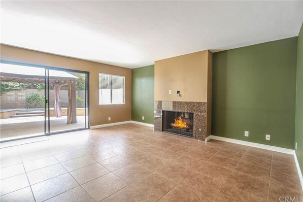 2554 Elden Avenue B104, Costa Mesa, CA - USA (photo 3)