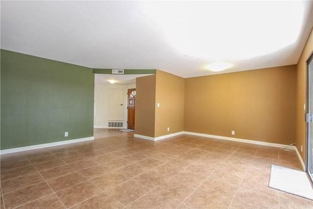 2554 Elden Avenue B104, Costa Mesa, CA - USA (photo 5)