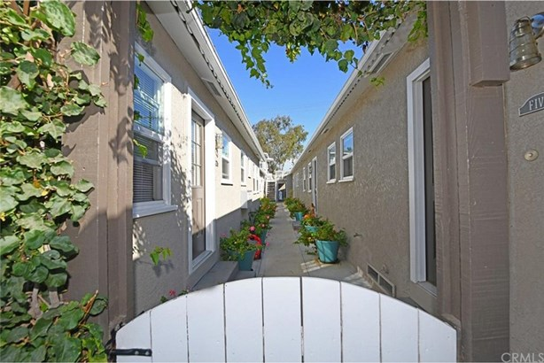 1605 Electric Avenue, Seal Beach, CA - USA (photo 5)