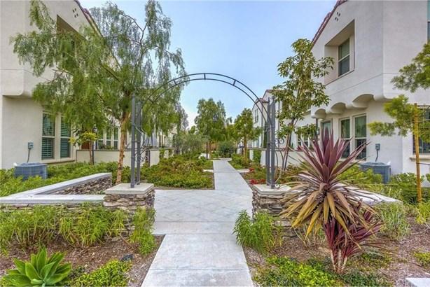 405 Trailblaze, Irvine, CA - USA (photo 1)