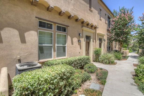 4452 Owens Street 104, Corona, CA - USA (photo 3)