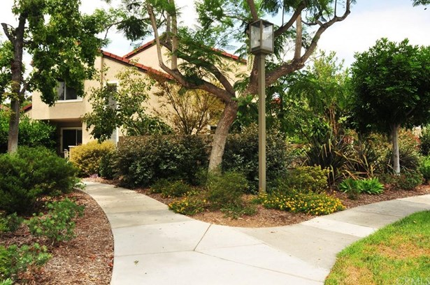 167 Stanford Court 24, Irvine, CA - USA (photo 2)