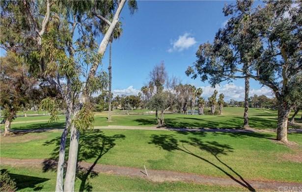 26 Nuevo, Irvine, CA - USA (photo 3)