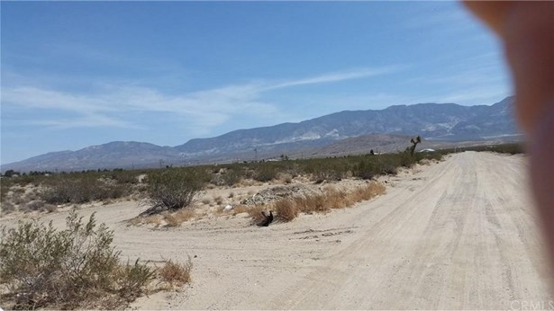 247 Hwy 247, Lucerne Valley, CA - USA (photo 1)