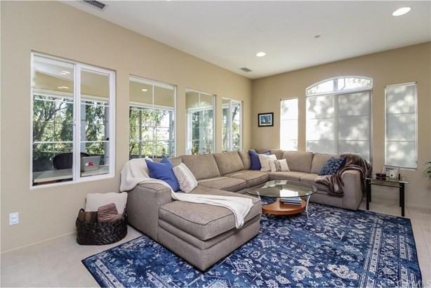 1 Carnation, Irvine, CA - USA (photo 2)