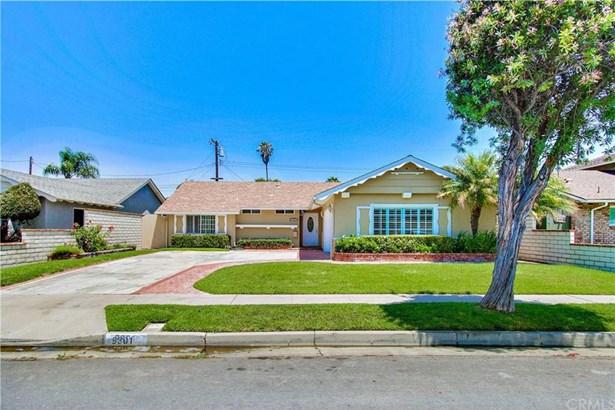 9301 Hyannis Port Drive, Huntington Beach, CA - USA (photo 2)