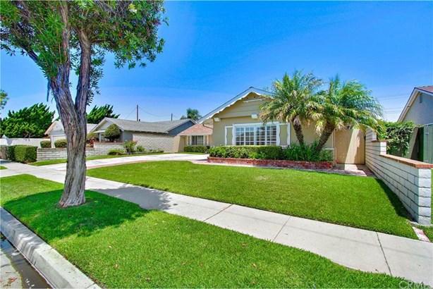 9301 Hyannis Port Drive, Huntington Beach, CA - USA (photo 3)