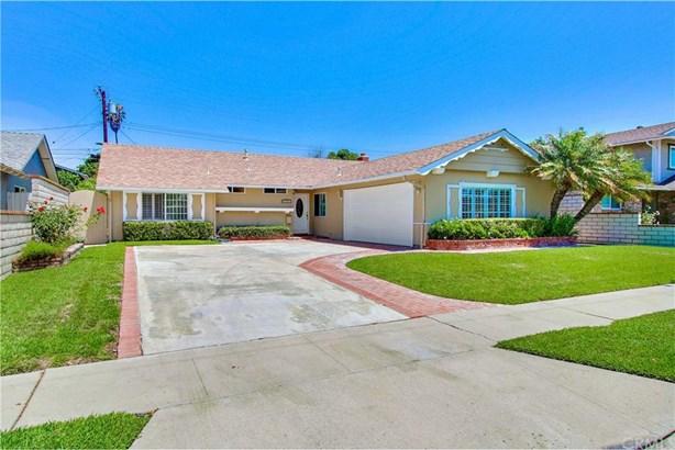 9301 Hyannis Port Drive, Huntington Beach, CA - USA (photo 4)