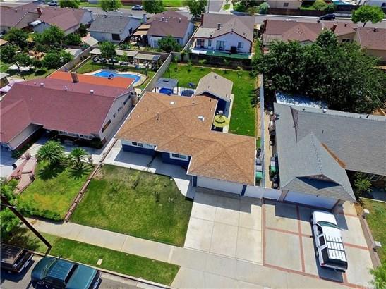 1055 Jadestone Lane, Corona, CA - USA (photo 2)