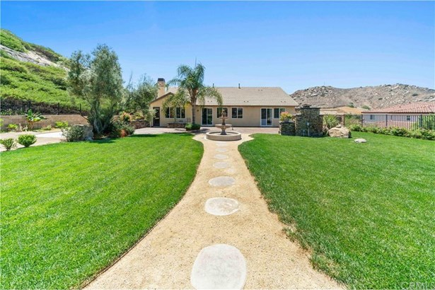 2821 Crestview Drive, Norco, CA - USA (photo 4)