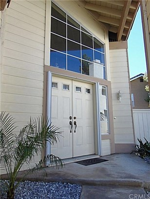 8012 Lomas Court, Fontana, CA - USA (photo 2)