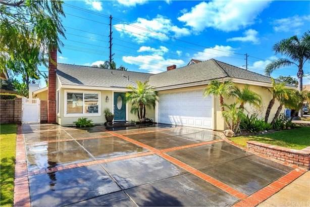 6304 E Woodsboro Avenue, Anaheim Hills, CA - USA (photo 1)