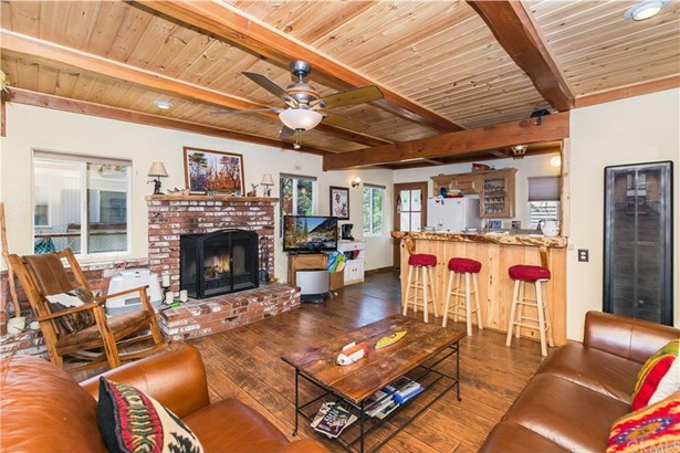 687 Villa Grove Avenue, Big Bear, CA - USA (photo 2)