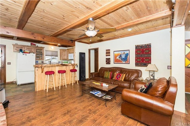 687 Villa Grove Avenue, Big Bear, CA - USA (photo 3)
