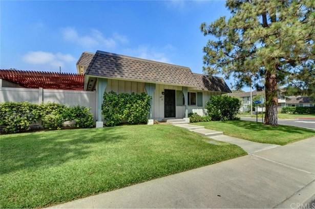 4251 Larwin Avenue, Cypress, CA - USA (photo 2)