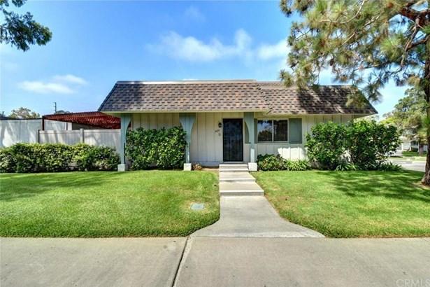 4251 Larwin Avenue, Cypress, CA - USA (photo 3)