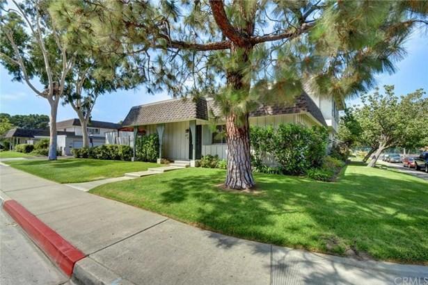 4251 Larwin Avenue, Cypress, CA - USA (photo 5)